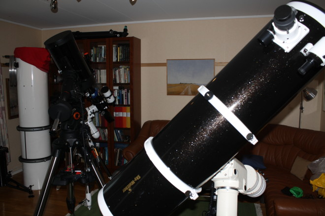 En SkyWatcher 10 tum -tub med ljusstyrka 5 på den gamla EQ6-monteringen.