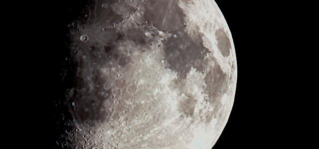 MAQ06152-Moon1D
