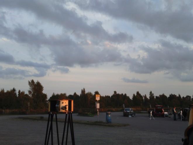 Sagittarius 2015 på södra Öland, dag 1, kvällen började mulen men precis som förutsagt av proffsen klarnade det sedan upp och under några timmar rådde sedan fantastiskt fina förhållanden innan det började att blåsa upp vid 01.30-tiden. En hel del perseider observerades, några extra ljusstarka, men det var långt ifrån antalet som observerades för 15-20 år sedan.