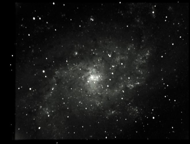 M33 i luminance, 68 x 20 sekunder exponering. 12 tum f/6.3 optik. Foto: Mattias Ergon