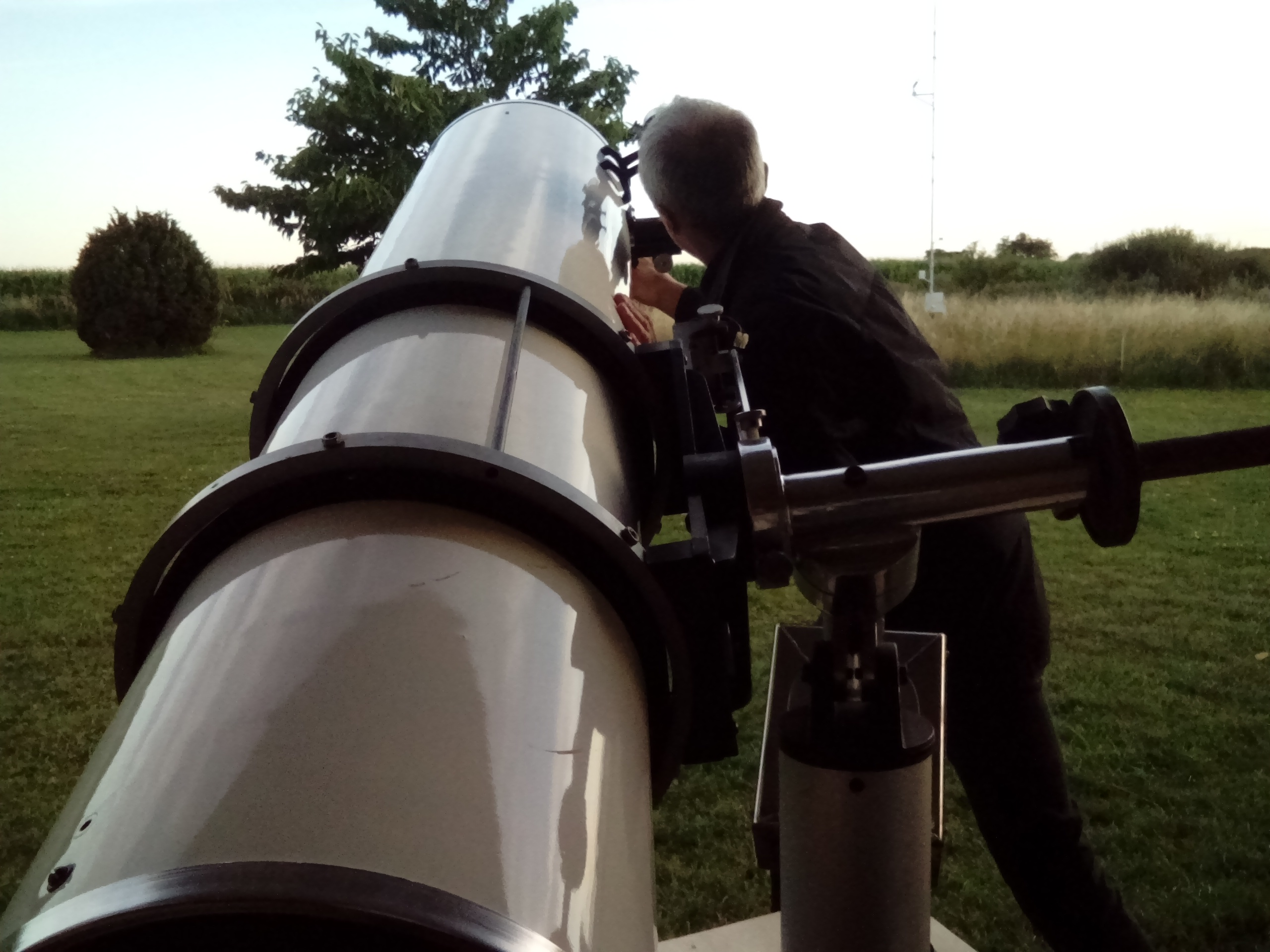 Min nyrenoverade Meade Research Series 12.5 tum f/6.3 Newton fick äntligen visa vad optiken går för och det blev med beröm godkänt.