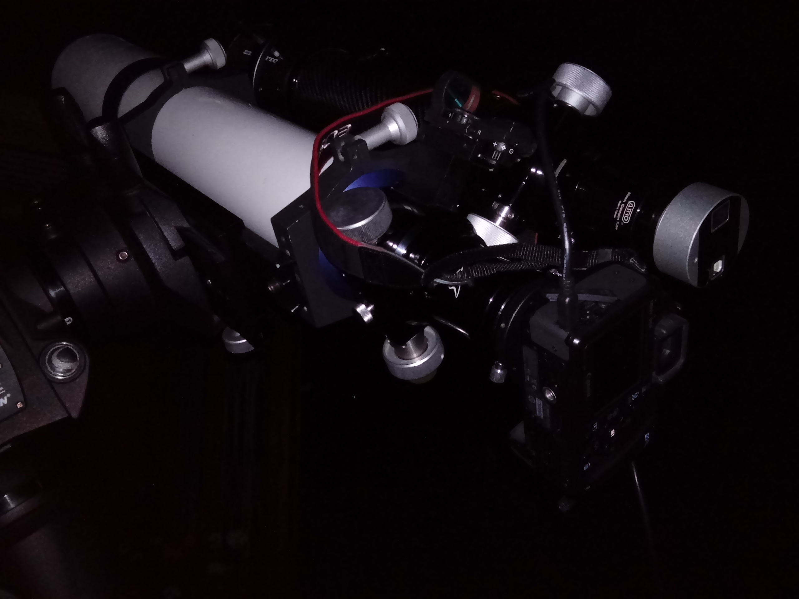 Det går snabbt att polinställa och komma i astrofotoläge. Celestron CGEM DX-monteringen uppsatt och utrullad
