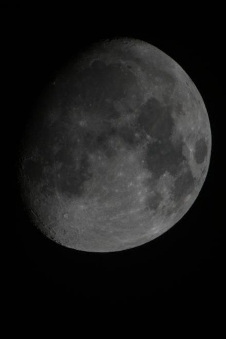 moon_31102017_21ut_600mm_edref_2xapo_barlow_f14_eos1000d_1_50s_iso100_jdanielsson_img_0059