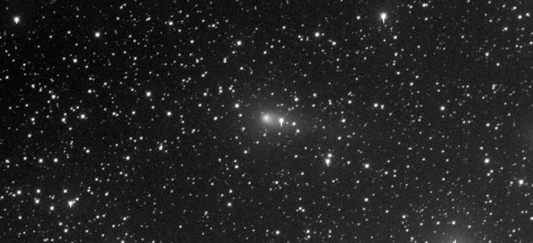 Aktuella men svaga kometer