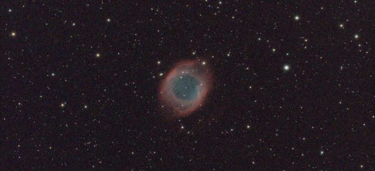 En välkänd större nebulös ring