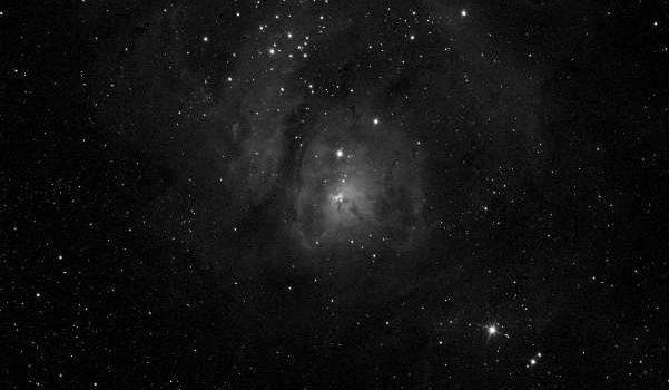 Sydliga galaxer och en komplett nebulosa