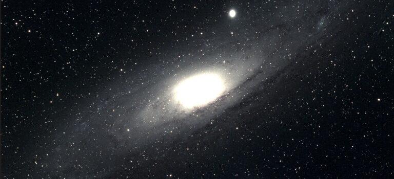 Andromedagalaxen M31 i färg